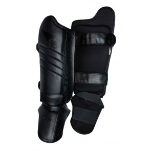 Bad Boy 'Legacy' shin guards black
